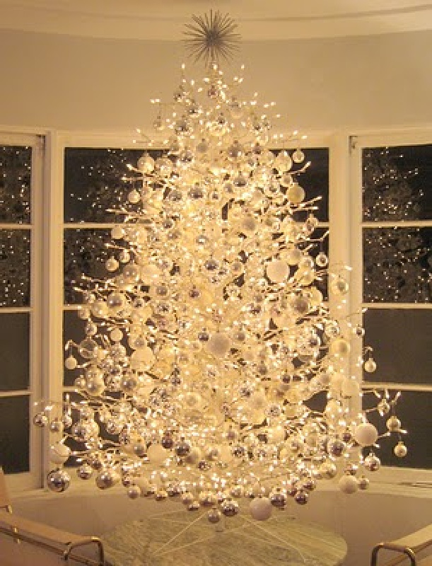 christmas tree glass at christmas decorating ideas ttree 2011 cool and beautiful - Pictures Of Decorated Christmas Trees